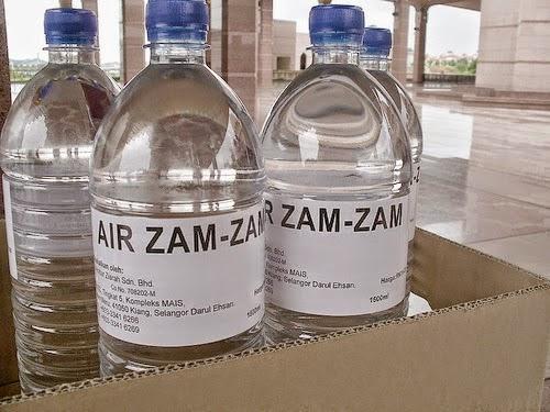 Subhanallah, Ini Manfaat Air Zam Zam Bagi Manusia