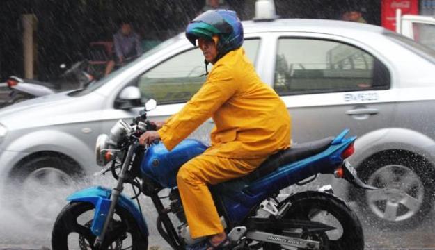 146656_musim-hujan-di-jakarta_663_382