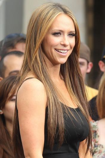 jennifer-love-hewitt-black-top