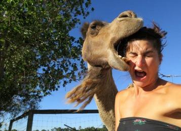 Selfie-di-kebun-binatang-Carilah-lokasi-yang-aman