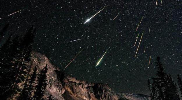 Puncak Hujan meteor