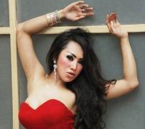 Camelia Gomez full body